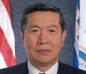 李昌鈺博士,來源:https://zh.wikipedia.org/wiki/File:Dr_Lee_Official_State_Photo.jpg