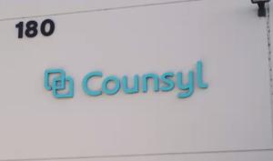 世界首間全自動化基因實驗室,位於舊金山的基因測試公司 Counsyl。來源:https://www.wired.com/2016/08/inside-robot-run-genetics-lab-tomorrow-just-watch-step/
