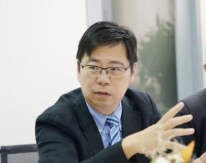 台北醫學大學醫務管理學系暨研究所教授 / 醫事法律協會常務理事 楊哲銘