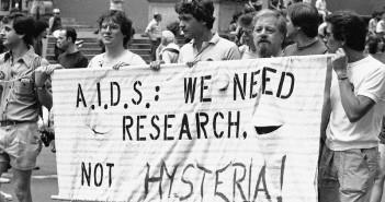 aids-march_custom-4f08d53c43da33c6769e918b3baaf86a80f63e13-s800-c85
